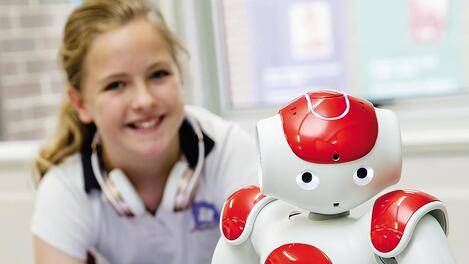 Girl and Nao robot