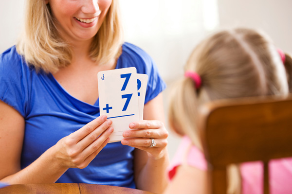mom-daughter-flash-card_ojxgdg